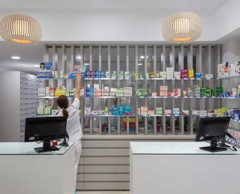 Farmacia-Orihuela-mostrador-frente